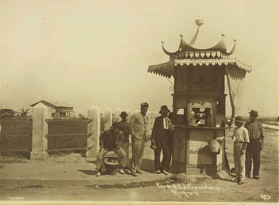 Av. Nossa Senhora de Copacabana em 1911.