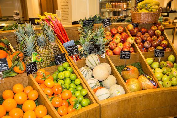 #Fresh #Seasonal #Fruit #Oranges #Melons #Limes #Rhubarb #Pineapples #Apples #Colourful #FoodHall #Piccadilly #Fortnums #FortnumAndMason