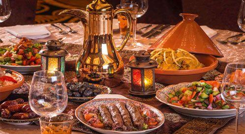بقلم الكاتبة السعودية أ الهنوف الشامي صحيفة إنسان تنتشر الكثير من العادات السيئة في رمضان وخاصة في موائد الطعام إذ يجب على وجب