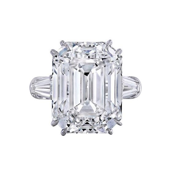 """Mariah Carey is officially engaged to her boyfriend, James Packer, the Australian billionaire businessman. He popped the question last night with a colossal 35-carat diamond and platinum engagement ring, seen here. Yes, you read that correctly: 35 carats—just about the same size as both Kim Kardashian West's and Beyoncé's engagement rings COMBINED. It's even a couple of points UP from Liz Taylor's famously spectacular 33 carats, courtesy of Richard Burton."""