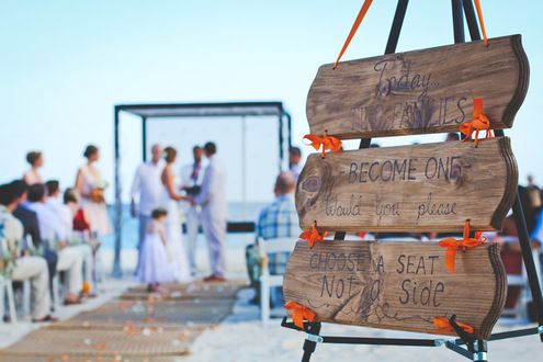 View photos of this real wedding in Mexico on 1/25/2014. Check out other real weddings from The Knot and The Nest or share your wedding!