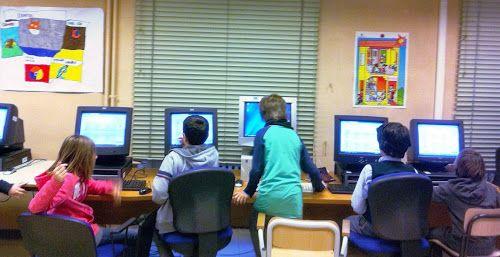 Bambini che imparano a programmare