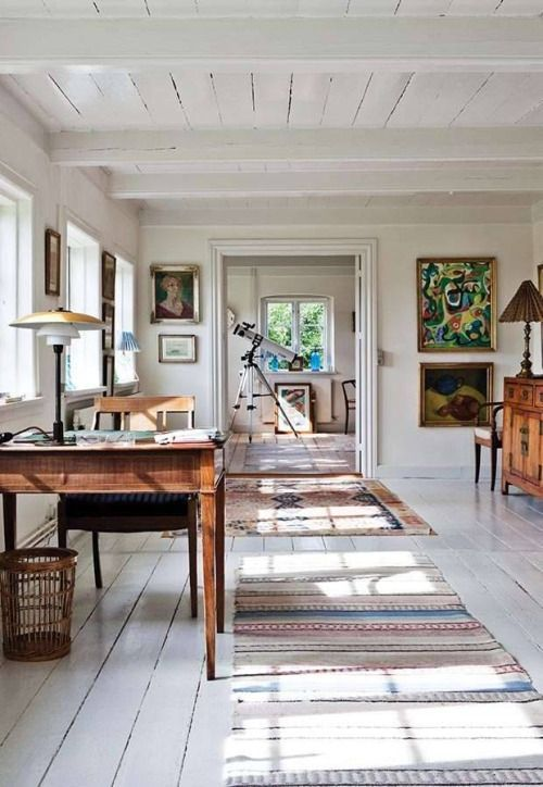Modern Bohemian Style In A Rustic Home Painted All White And Featuring A Mix Of Modern And Vintage Art Antique Furniture An Rustic House Home Home Remodeling