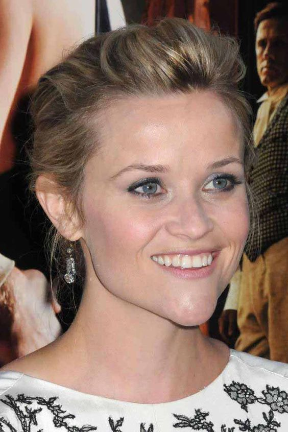 0418-reese-witherspoon-water-for-elephants-07 - Reese Witherspoon - 12