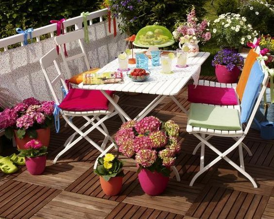 áreas de descanso e ideas para la decoración del hogar al aire libre con flores