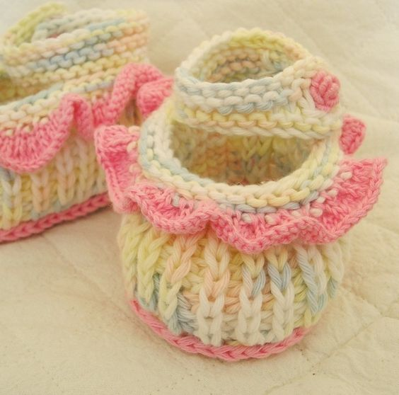 Pinterest Free Knitting Patterns For Baby Booties : Easy Baby Booties - Free Knitting Pattern for Baby Booties knitting pattern...