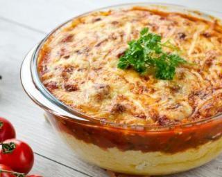 Polenta minceur façon Parmentier inversé à la tomate : http://www.fourchette-et-bikini.fr/recettes/recettes-minceur/polenta-minceur-facon-parmentier-inverse-la-tomate.html