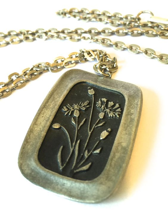 Mid Century Scandinavian Flower Necklace by VintageParamour