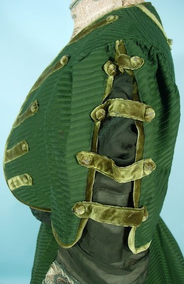 c. 1906/1907 A. H. METZNER, New York Green Ottoman Silk/Wool Fabric and Lace Trim 3-piece Afternoon Gown with Original Blouse. Detail