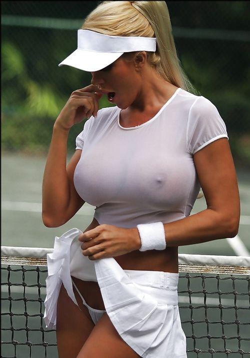 Tennis Mom, braless bird: