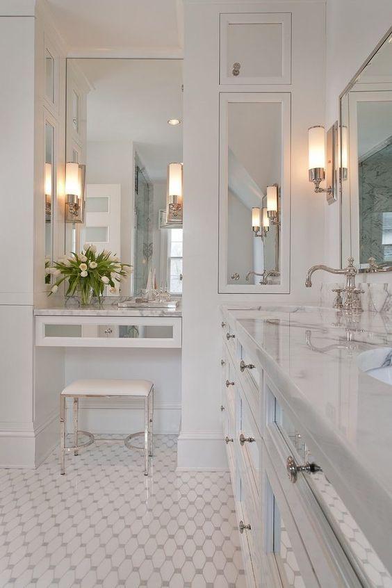 Amenajare baie in sticl clasic;
