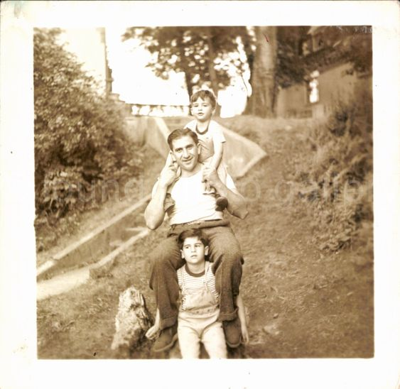 1940s vintage photo of father with kids-Fathers Day #1940s #1940slife #vintagephoto #fathersday