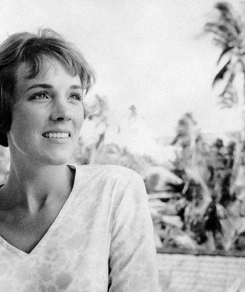 Julie Andrews. Beautiful.