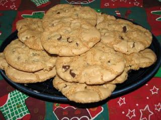 Angelgirlpj: Gluten-Free Chocolate Chip Cookies  http://angelgirlpj.blogspot.com/2011/04/gluten-free-chocolate-chip-cookies.html