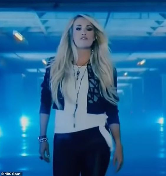 Carrie Underwood Sunday Night Football Opening Still In 2020 Carrie Underwood Carrie Underwood Style All American Girl