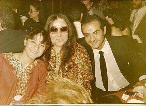 Passant Sawaby On Instagram الفنان الراحل مجدي وهبه مع زوجته و ابنته Couple Photos Art Photo