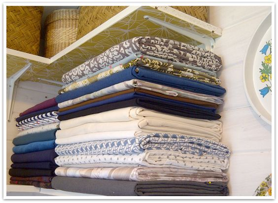 Miss P: My Sewing Space - An easy way to store fabric...