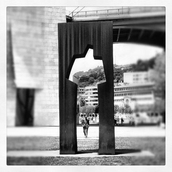 Guggenheim #buildings #architecture #arquitectura #bn #bw #blanckandwhite #blancoynegro #bilbao #bilbo #euskadi