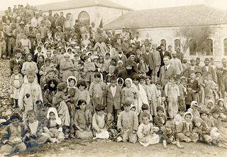 Survivors of Armenian genocide | Overlevenden van de Armeense genocide, ontdekt in Salt en naar Jeruzalem getuurd in april 1918