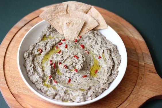 Amazing creamy and tangy baba ghanoush! #babaghanoush #eggplant #lime #garlic #tahini #middleeasternfood #spread #vegetarian #vegan