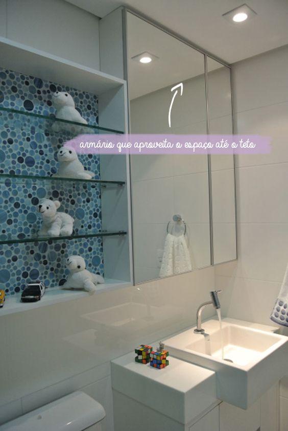 Dicas para banheiros pequenos  Comprando Meu Apê  Banheiro  Pinterest -> Lixeira Banheiro Pequeno