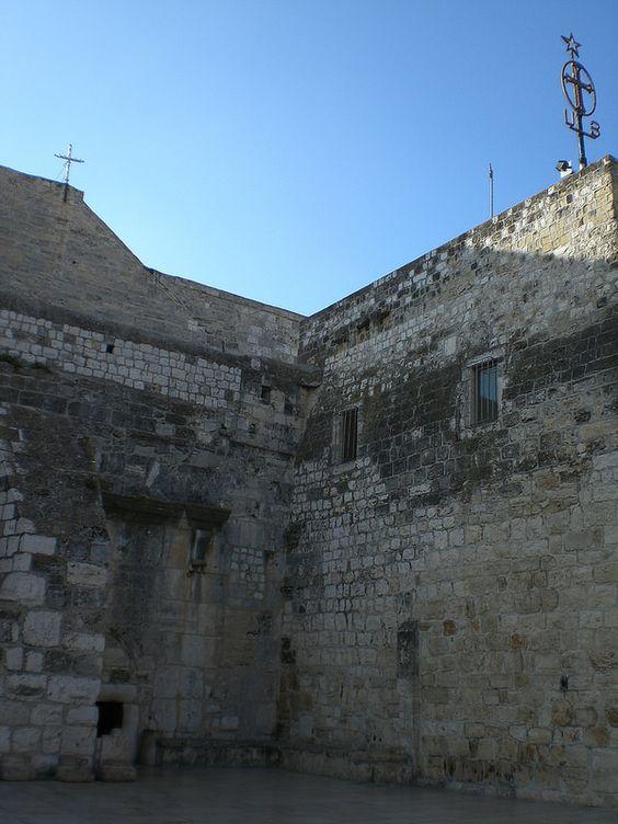 16 Entrada Basílica