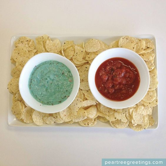 4th of July Food Ideas: Independence Day Chip Dip #partyideas #foodideas #peartreegreetings