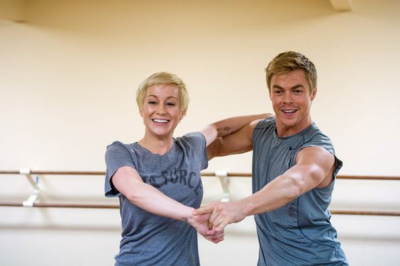 Kellie Pickler and Derek Hough - that's some seriously FINE arm porn on Derek there!!!