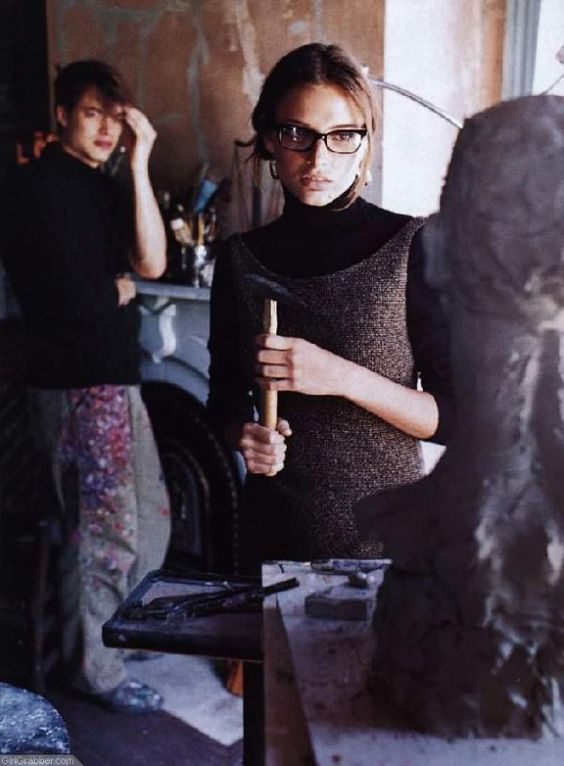 photographed by Ellen von Unwerth for Vogue, August 1998.