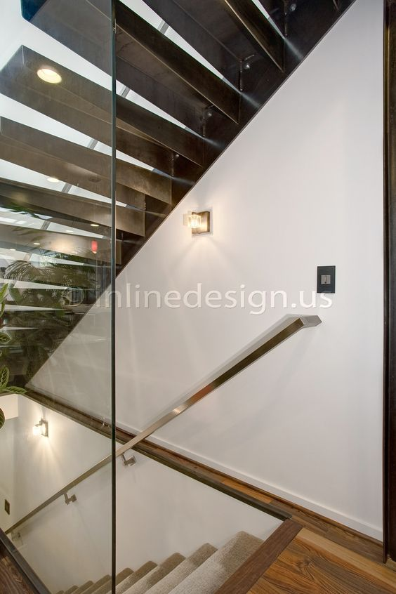http://gallery.inlinedesign.us/albums/148-mark-wa Please visit us at inlinedesign.us for more info #cablerailing #railing #stainlesssteel #glass #glassrailing #custom #interior #exterior #round #square #modern #architecture #design #stainless #steel #moderndesign #contemporary #diy #inlinedesign #seattle #westcoast
