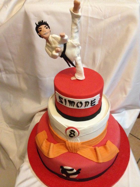 Pinterest the world s catalog of ideas for Decorazione torte karate