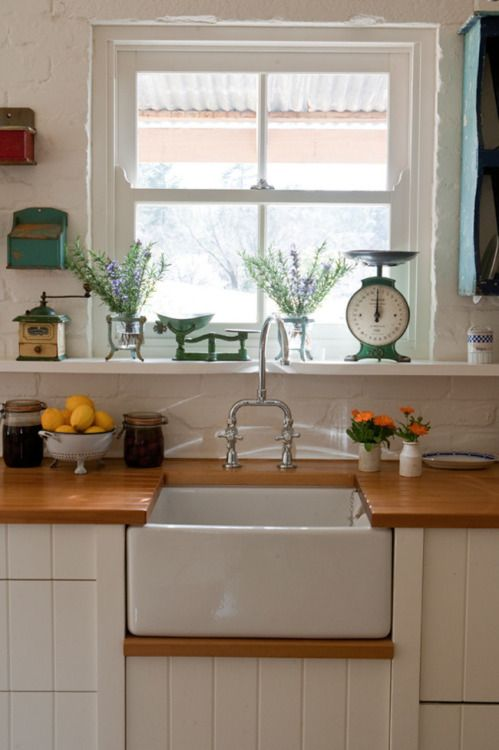 pictureperfectforyou:  (via 20 best country kitchens gallery 11 of 20 - Homelife)
