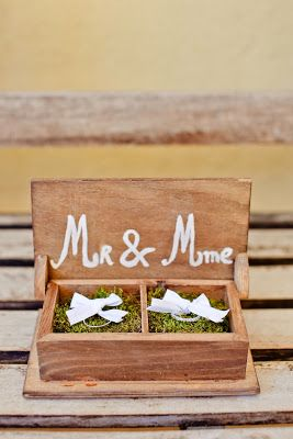 Mousse and recherche on pinterest - Support alliances mariage ...