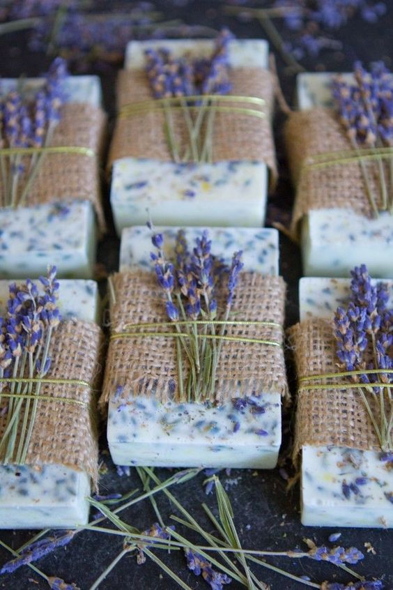 DIY Lavender Honey Lemon Soaps - pretty handmade scented soaps! Great step by step how to with photos. Includes complete recipe for this melt and pour soap project and nice idea for packaging them with burlap topped with real sprigs of lavender. Perfect gift craft! From Sarah Johnson!