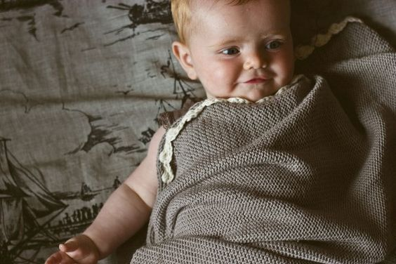 Antique style baby blanket - toto knits