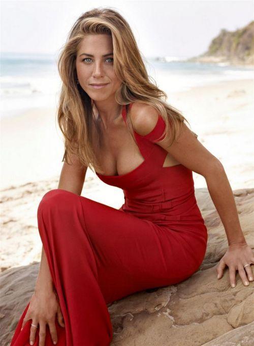 Jen Aniston. Such a great dress.