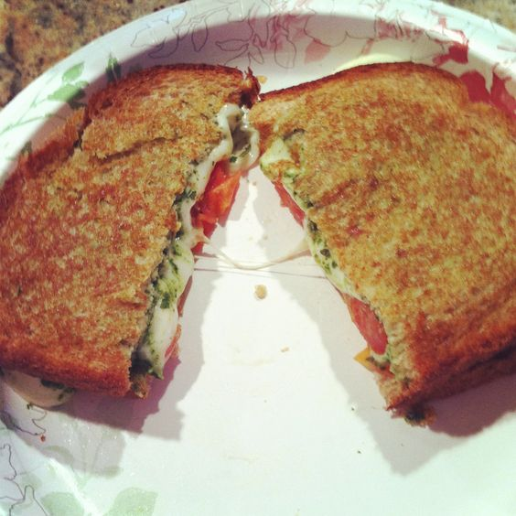 Mozzarella , pesto and tomato grilled sandwich . 5 pts weight watchers ...