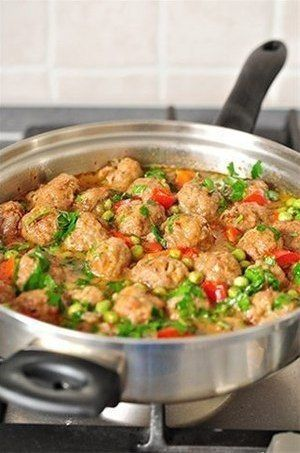 Vegetable stew with meatballs