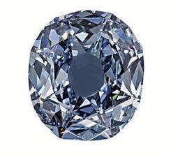 """El diamante Wittelsbach (en alemán: Der Blaue Wittelsbacher)? es uno de los diamantes más grandes del mundo, con un peso de 35,56 quilates (7,11 g). Tiene un diámetro de 24,4 mm y una altura de 8,29 mm. Pertenece a los llamados """"diamantes azules"""", por su tonalidad, y está clasificado en la categoría VS2.  Historia[editar] Fue extraído en el siglo XVII en la mina Kollur del antiguo reino de Golconda en la India, y fue cambiando de ubicación constantemente, formando parte de las joyas de la…"""