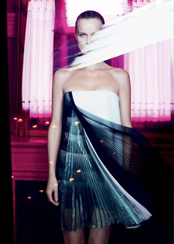 Eva+Herzigova+Christian+Diors+Capture+Totale-006