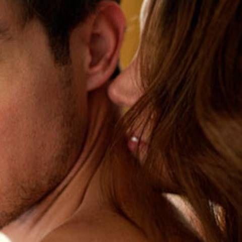 Spaß im Bett: 8 intime Männer-Wünsche, die jede Frau kennen sollte