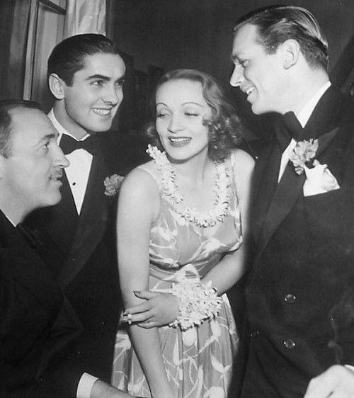 Bildergebnis Fur Stan Laurel Und Oliver Hardy Marlene Dietrich Los Angeles Azules Actriz