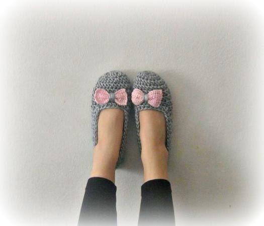 crochet slippers: Crochet Wearing, Crochet Ideas, Knit Crochet, Crochet Slippers, Slippers Dez, Slippers Denaya, Slippers Boots, Slippers Craft