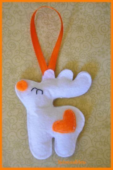 adorno para navidad de el fieltro, reno navideńo, decoración para arbol de navidad