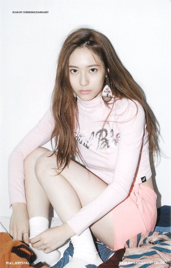 [SCANS] 151118 f(Krystal) = '4 Walls' SUM Official Goods [2] | 4P – f(♥)