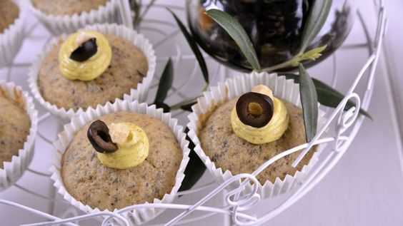 Cupcakes de oliva negra - Receta - Canal Cocina