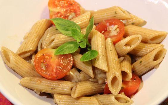 Nudelsalat Rezept mit Pesto -  Der Bio Koch #473 - YouTube