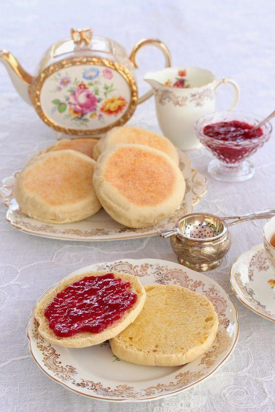 My Little Kitchen: English muffins