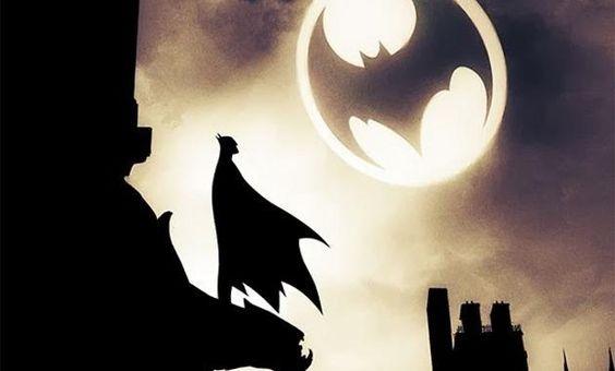 Batman tiene más de 75 años de trayectoria editorial y con ello un sinfín de historias, personajes, películas y, por supuesto, arte gráfico. ¿Y qué más representativo del arte visual del cómic que las portadas?De Bill Finger a Greg Capullo, pasando por Neal Adams y Carmine Infantino, entre tantos. Pasa a la si