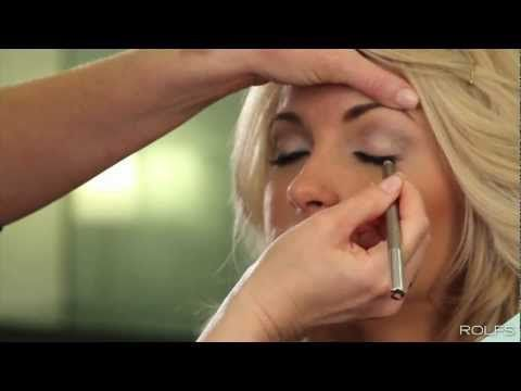 How to get Carrie Underwood makeup - smokey eyes and big lashes!